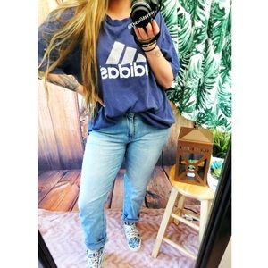 Vintage Adidas oversized boyfriend tee 🌿